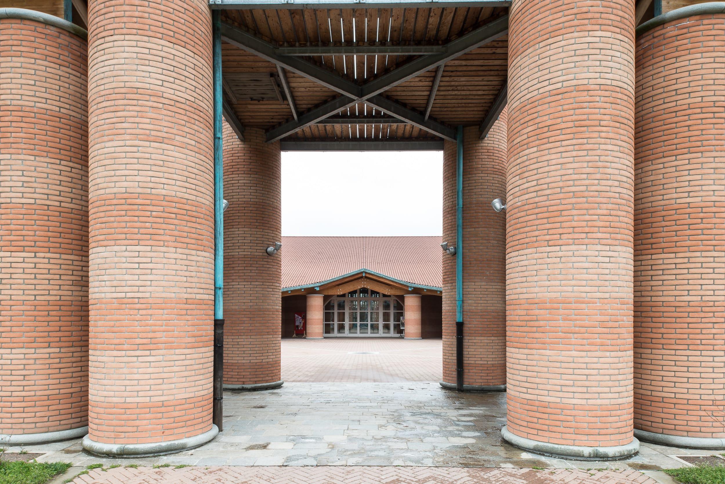Architettura italiana - Piastrelle san giuliano milanese ...